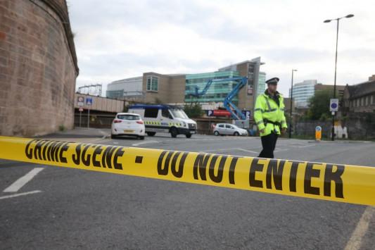 Τρομοκρατική επίθεση στο Μάντσεστερ Live – Καμικάζι έσπειρε το θάνατο στο Manchester Arena! Από τα κομμάτια του θα προσπαθήσουν να τον αναγνωρίσουν