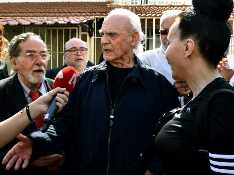 Άκης Τσοχατζόπουλος: Γυρίζει σελίδα και... φτιάχνει τα δόντια του