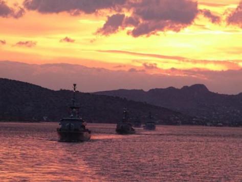 `Καταιγίδα` στο Αιγαίο έφερε το Πολεμικό Ναυτικό