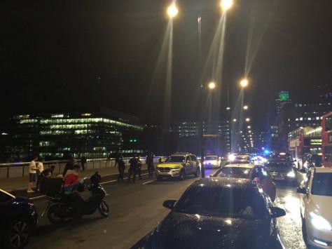 Τρόμος ξανά στο Λονδίνο - Αυτοκίνητο έπεσε πάνω σε πεζούς - Αποκλεισμένη η γέφυρα του Λονδίνου