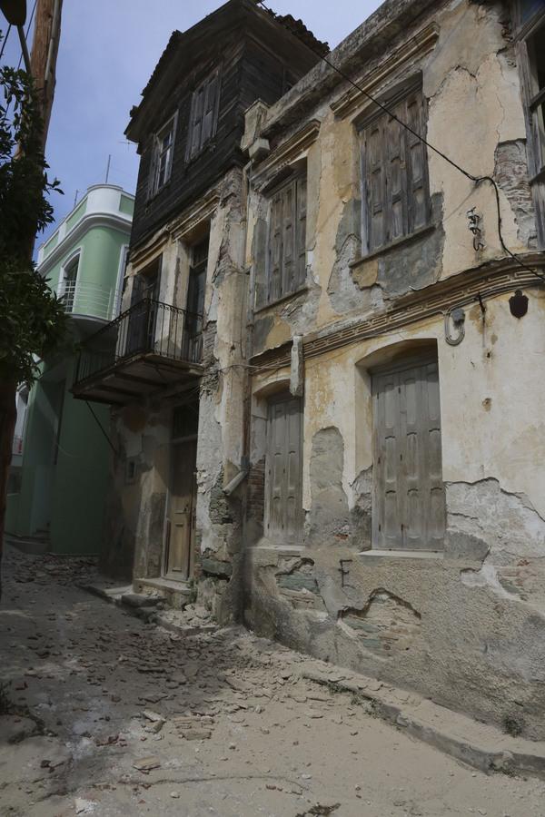 Ζημιές στο Πλωμάρι από το σεισμό - ΑΠΕ-ΜΠΕ