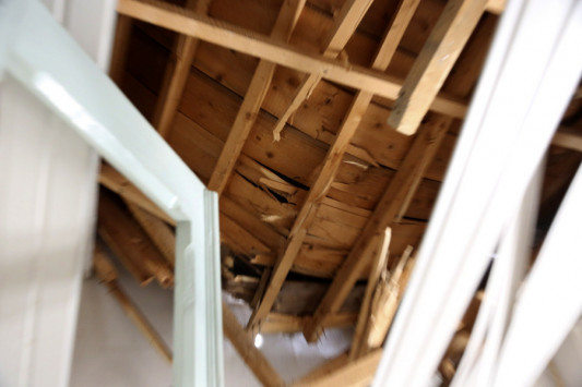 Σεισμός στη Λέσβο: Κατέρρευσαν σπίτια στη Βρίσα - Τραυματισμός στο Πλωμάρι [pics, vid]