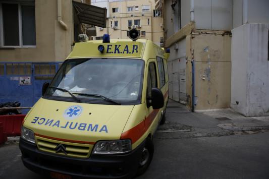 Κόρινθος: Χτύπησαν με καδρόνια σεκιουριτά στον σταθμό του Προαστιακού