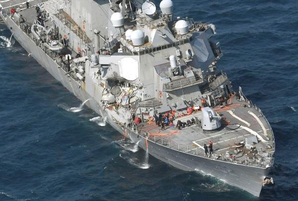 Το αμερικανικό αντιτορπιλικό USS Fitzgerald