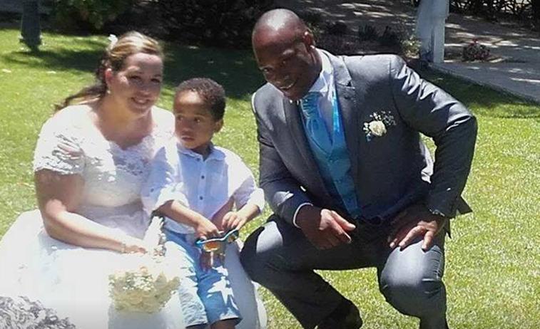Ο μικρός Ροντρίγκο με τους γονείς του την ημέρα του γάμου τους...