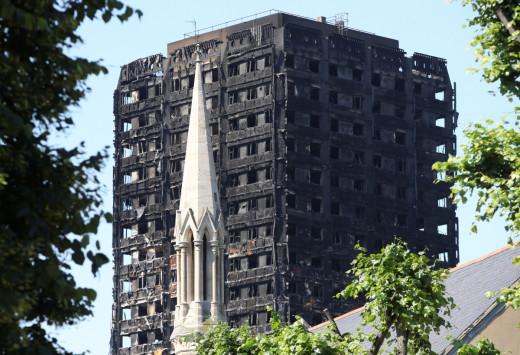 Φρικιαστική αποκάλυψη για τον φλεγόμενο πύργο: Βρήκαν 42 πτώματα σε ένα δωμάτιο!