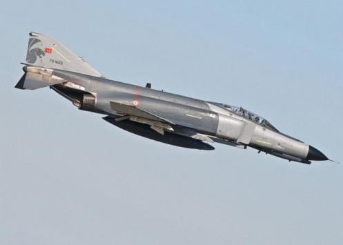 Προκαλεί ξανά στο Αιγαίο η Τουρκία με δύο μαχητικά F4