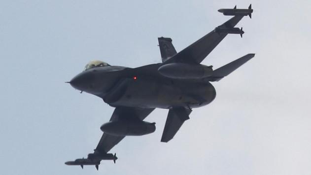 Τούρκοι πιλότοι απειλούν πολιτικές πτήσεις στο Αιγαίο – Φόβος θερμού επεισοδίου - Επικίνδυνοι και ατζαμήδες!