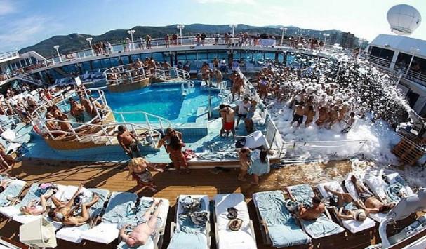 Από ποια ελληνικά νησιά θα περάσει η κρουαζιέρα των οργίων