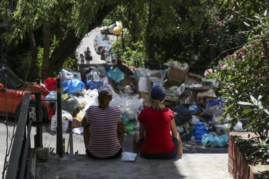 Τέλος η απεργία της ΠΟΕ - ΟΤΑ! Μαζεύουν τα σκουπίδια