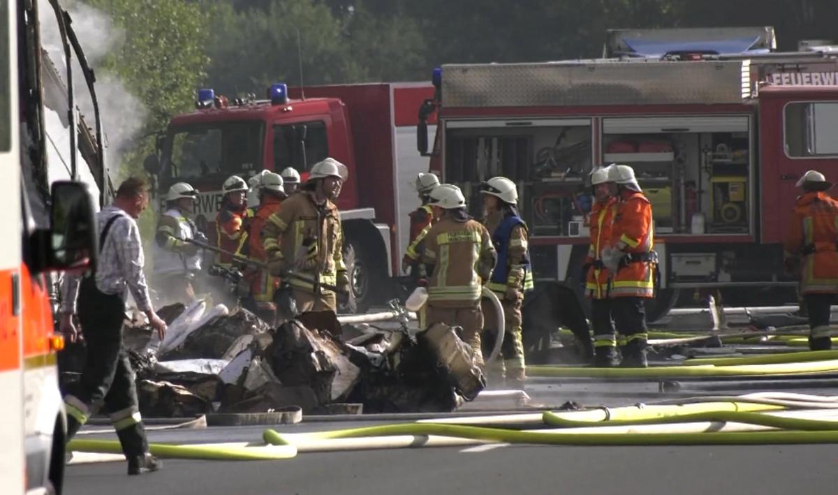 bus2 Τραγωδία στην Γερμανία: Πολλοί νεκροί στο τροχαίο με το τουριστικό λεωφορείο