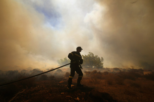 Φωτιά στο Άνω Σούλι Μαραθώνα