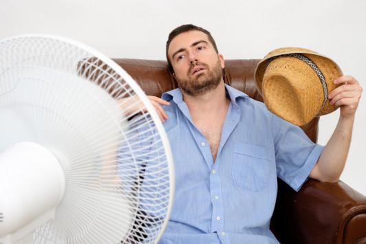 Έρχεται νέος καύσωνας: Τι να κάνετε μέσα στο σπίτι για να τον αντιμετωπίσετε