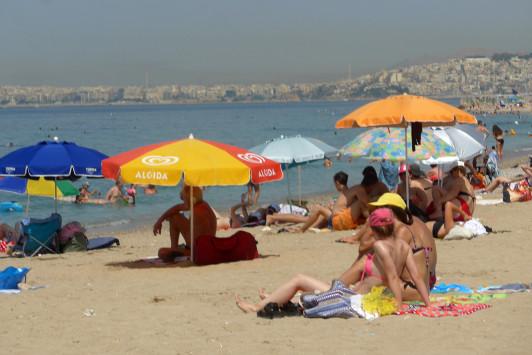 Καιρός: Ζέστη και... καρφί για παραλία! Αναλυτική πρόγνωση