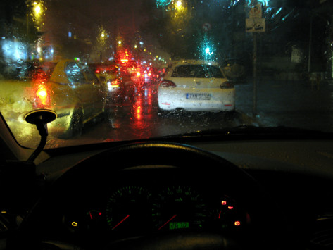 Ηράκλειο: Κλαίει το αυτοκίνητο που αγόρασε - Δεν πίστευε αυτό που του συνέβη μέσα σε λίγα δευτερόλεπτα!