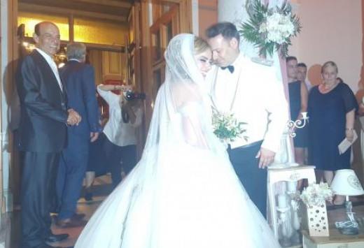 Πάτρα: Γάμος με απρόοπτα - Η καθυστέρηση του γαμπρού και η ανατροπή στο γλέντι [pic, vid]