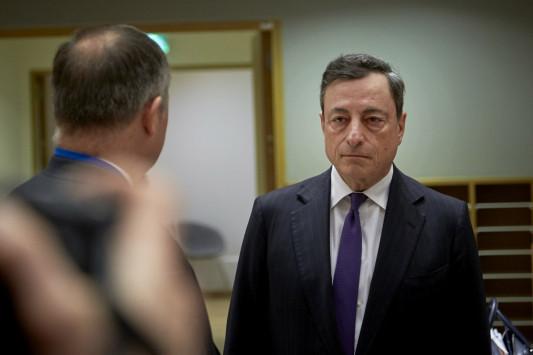 Ντράγκι: Πετάει το μπαλάκι στην κυβέρνηση! `Πρόωρη η επιστροφή της Ελλάδας στις αγορές`