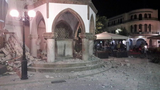 Σεισμός στην Κω: Η θάλασσα βγήκε στους δρόμους