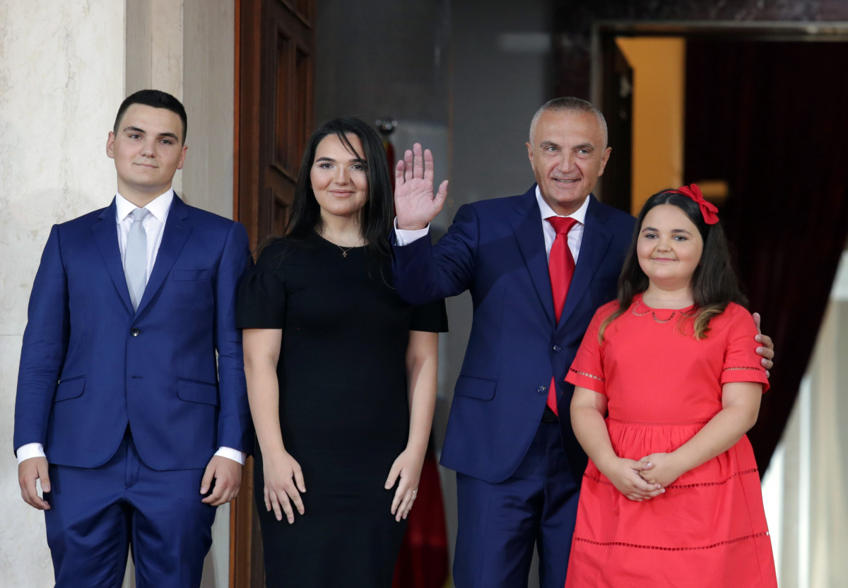 O νέος Πρόεδρος ανάμεσα στα παιδιά του - ΦΩΤΟ REUTERS
