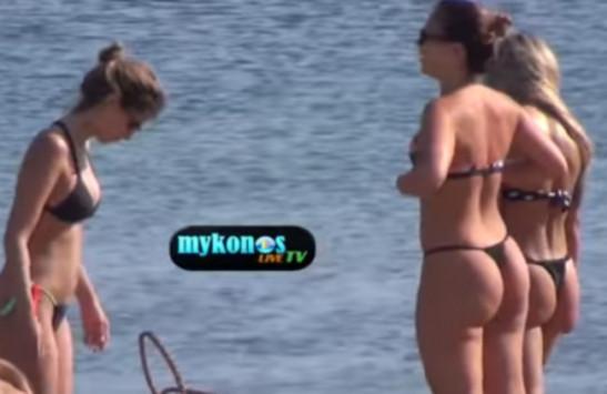 Μύκονος: Οι Ιταλίδες που έβγαλαν μάτια με τα μικροσκοπικά τους μπικίνι στην παραλία [vid]