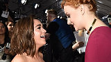 Game of Thrones: Τι συμβαίνει ανάμεσα στην Sophie Turner και την Maisie Williams