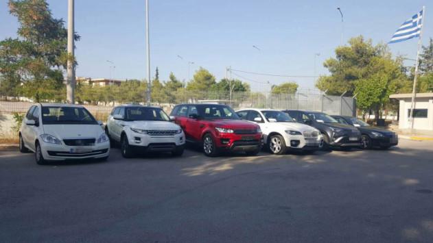 Νέες αποκαλύψεις για τη σπείρα που έκλεβε πολυτελή αυτοκίνητα - Το σχέδιο με τον `ντελιβερά`