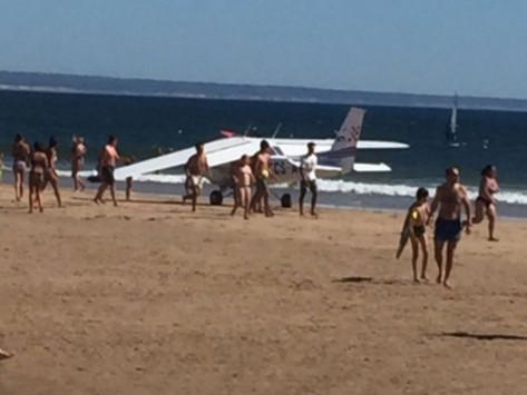 Τραγωδία σε παραλία της Πορτογαλίας! Νεκροί λουόμενοι από αναγκαστική προσγείωση αεροσκάφους
