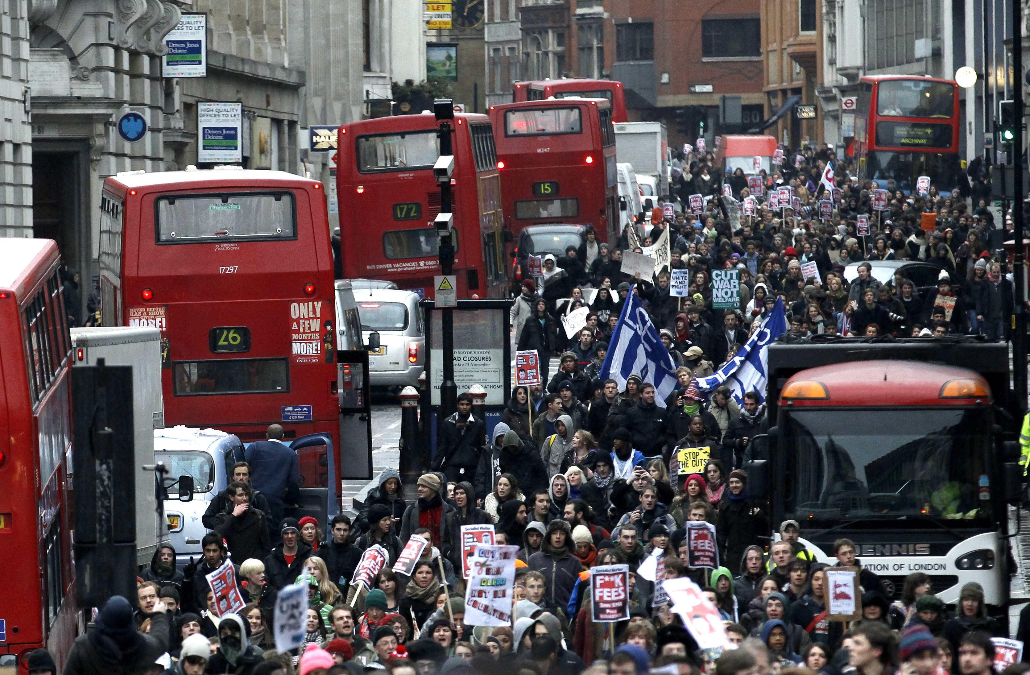 Κυκλοφοριακό χάος στους δρόμους του Λονδίνου - ΦΩΤΟ REUTERS