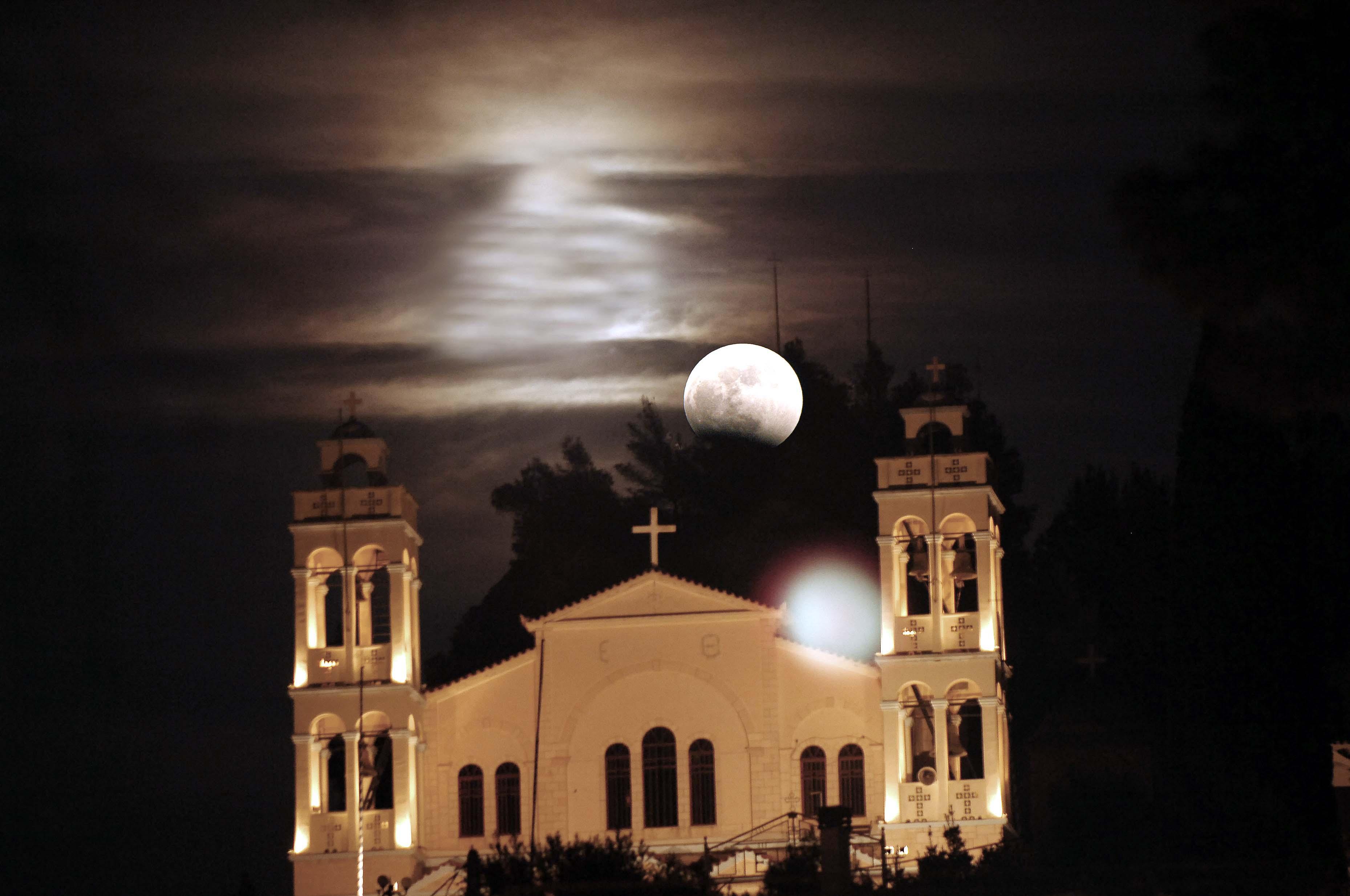 Ναύπλιο: Από προηγούμενη έκλειψη σελήνης - ΦΩΤΟ EUROKINISSI