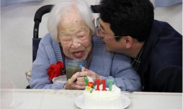 Πέθανε στα 117 η γηραιότερη γυναίκα του κόσμου - Πριν όμως αποκάλυψε το μυστικό της μακροζωίας της!