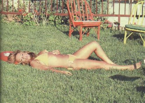 Αλίκη Βουγιουκλάκη: Στο φως της δημοσιότητας σέξι φωτογραφίες, 21 χρόνια μετά το θανατό της!