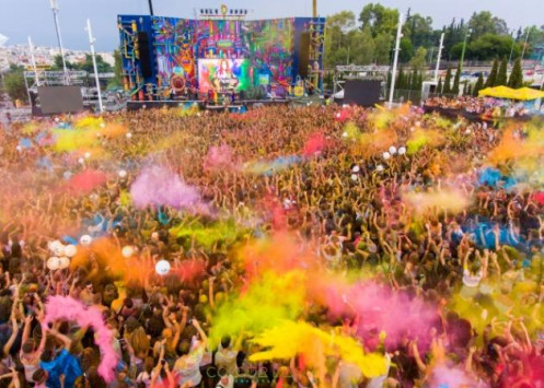 Colour Day Festival 2017: Πάνω από 27.000 θεατές αψήφησαν τη βροχή και βάφτηκαν με χρώμα