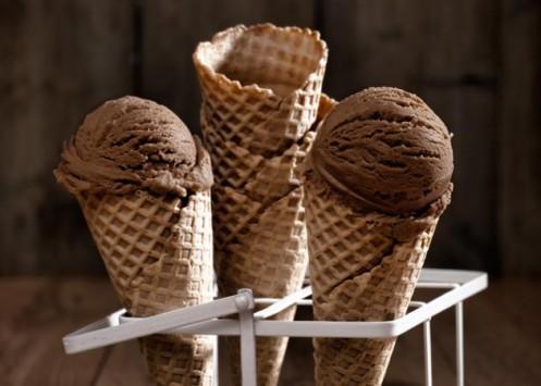 Πώς να φτιάξεις λαχταριστό παγωτό σοκολάτας με 3 υλικά!