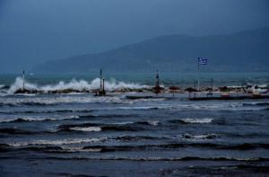 Καιρός – Κυκλώνας Ζορμπάς: LIVE εικόνα από όλη την Ελλάδα!