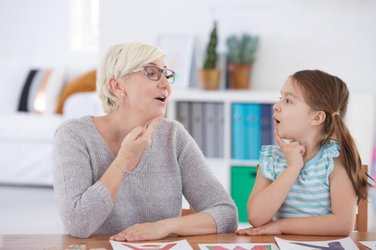 Διεθνής Ημέρα Τραυλισμού: Πώς εκδηλώνονται οι διαταραχές λόγου στο παιδί | Newsit.gr