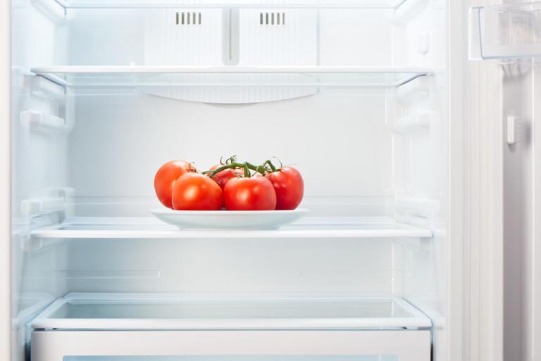 Πρέπει να μπαίνουν οι ντομάτες στο ψυγείο; Τι λένε οι επιστήμονες… | Newsit.gr