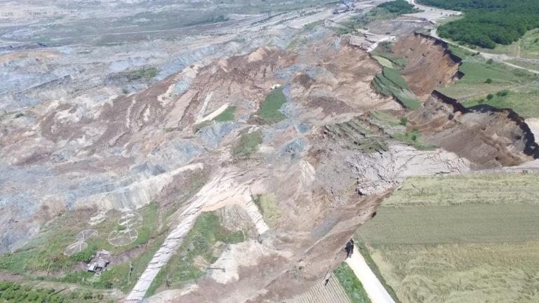 6c56f98728 Αμύνταιο  Νέες εικόνες καταστροφής από την κατολίσθηση στο ορυχείο λιγνίτη  της ΔΕΗ – Ζημιές άνω