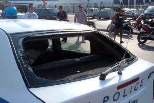 Κρήτη: Γουρούνια επιτέθηκαν σε περιπολικό – Σκηνές απείρου κάλλους στην Ιεράπετρα!