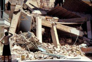 Σεισμός Θεσσαλονίκη: Η μαύρη επέτειος – 49 νεκροί, 220 τραυματίες και 800.000 άστεγοι [pics, vids]