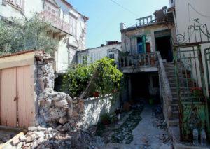 Σεισμός – Μυτιλήνη: Ο Προκόπης Παυλόπουλος στην ισοπεδωμένη Βρίσα!