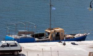 Ακυβέρνητο πλοίο με μετανάστες στην Κάρπαθο