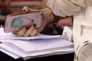 Κινητά τηλέφωνα: Τέλος η περιαγωγή – Από πότε καταργούνται οι χρεώσεις