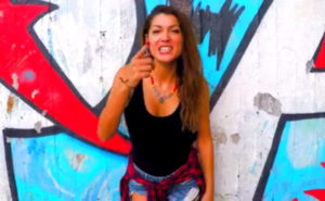 Manu Chao – Κλέλια Ρένεση: «Οργώνουν» την Αθήνα με νέο τραγούδι! [vid]