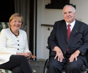 """Θάνατος Χέλμουτ Κολ: Συντετριμμένη η Μέρκελ! """"Άλλαξε τη ζωή μου"""""""