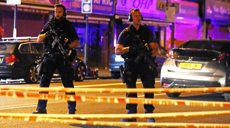 """Λονδίνο – Οργή μουσουλμάνων:  """"Είναι τρομοκρατική ενέργεια""""   Newsit.gr"""