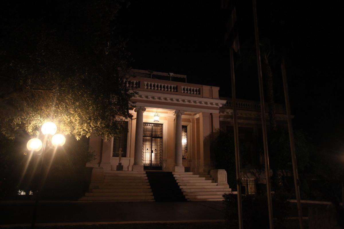 Ανασχηματισμός: Ξεκόλλημα ή κάλπες | Newsit.gr