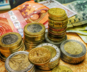 Συντάξεις: Νέες μειώσεις 250.000.000 ευρώ!