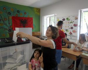 Εκλογές – Αλβανία: Παράταση στην ψηφοφορία λόγω…καύσωνα!