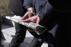 Ο απλός τρόπος να σταματήσει η σκανδαλώδης κρατική χρηματοδότηση φιλικών ή εκβιαστικών ΜΜΕ