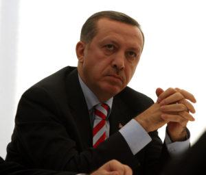 """Γιατί ο Ερντογάν """"αδειάζει"""" τον Μουμπάρακ"""